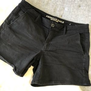 American eagle outfitters black midi shorts 5.5 14
